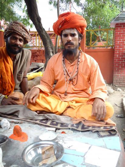 Yogi en assise